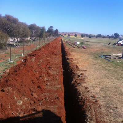 Power trench @ Canowindra 1m deep x 450 wide